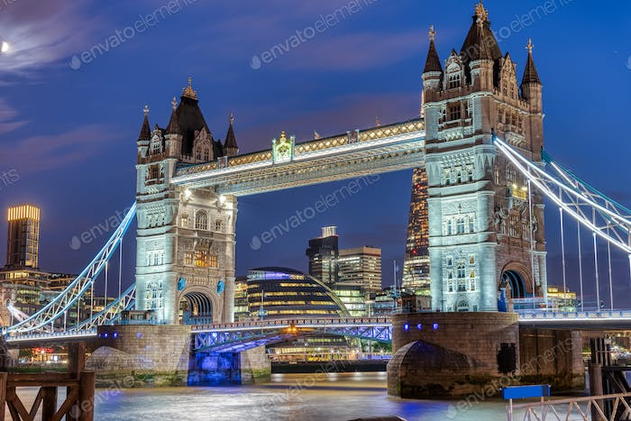 The illuminated Tower Bridge at night