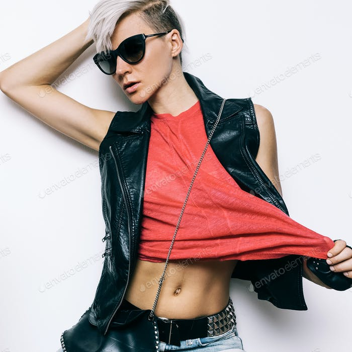 Woman rock style fashion stylish hairstyle Urban Denim Style Lea