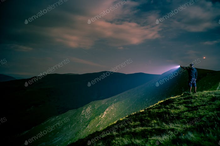 Searching with Flashlight in Mountains