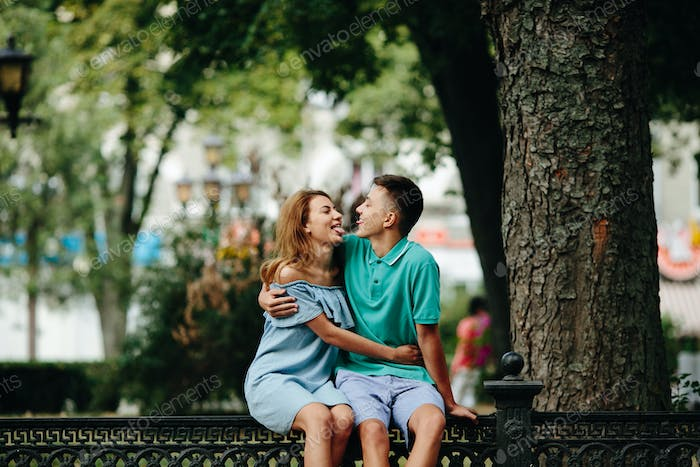 guy and girl in the park