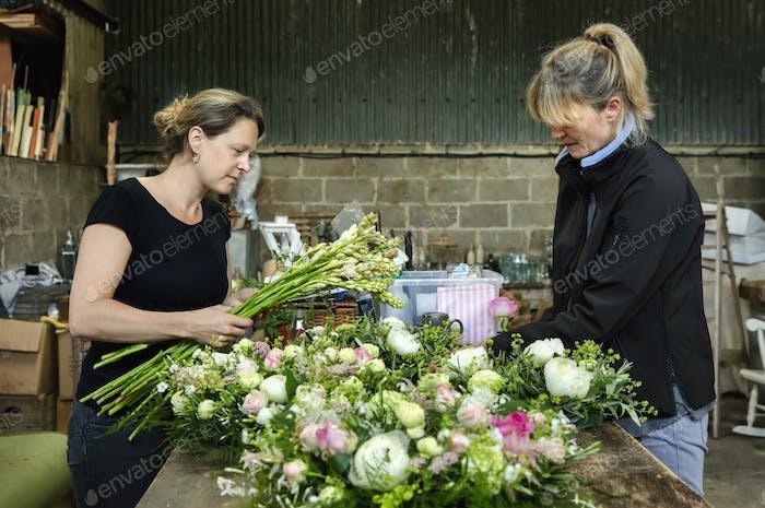 Коммерческие флористы на работе