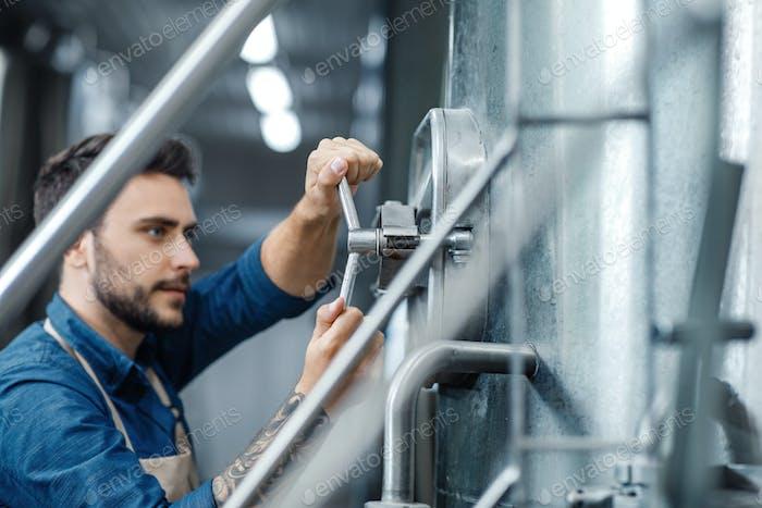 Control de equipos en cervecería y bebidas industriales
