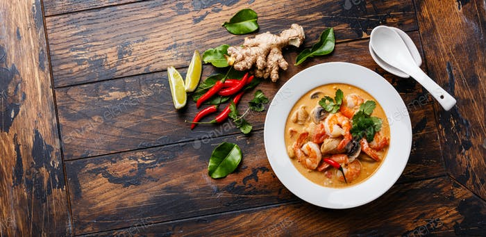 Tom Yam kung Spicy Thai soup