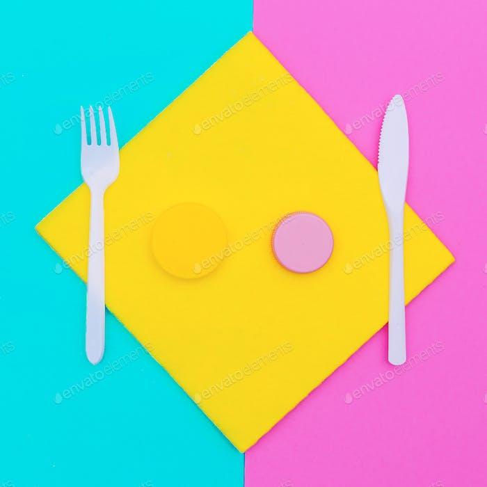 Plastic dishes. Plastic Life Minimal Style
