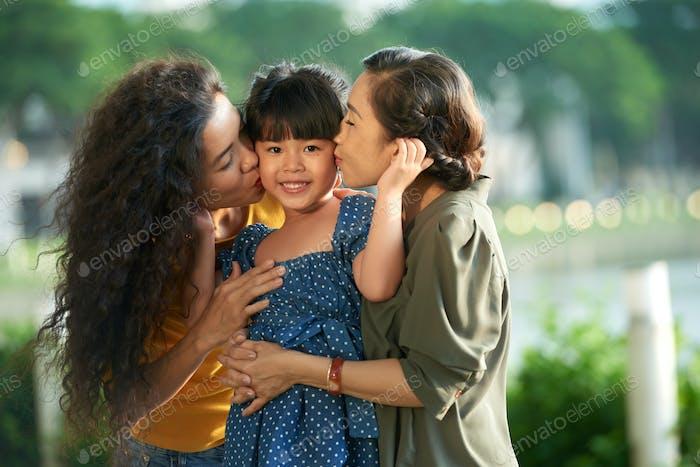 Liebe zum kleinen Mädchen zum Ausdruck bringen