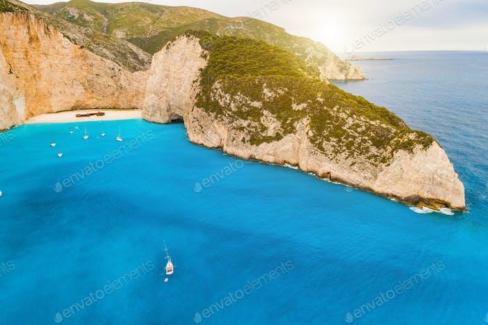 Navagio Bucht und Ship Wrack Strand im Sommer. Zakynthos, Griechenland im Ionischen Meer