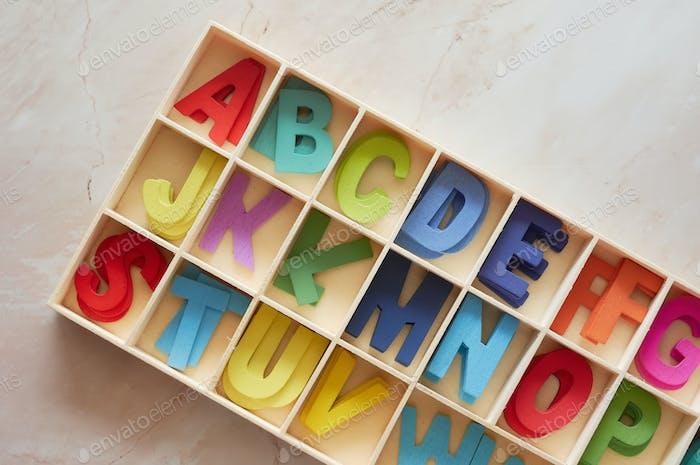 Das bunte Holz-Alphabet Spielzeug