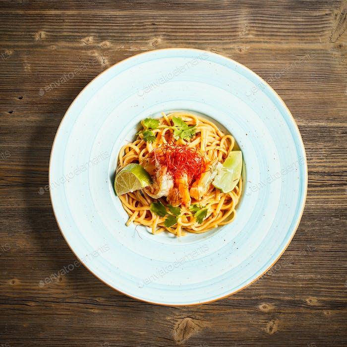 Pasta mit Königshrimps