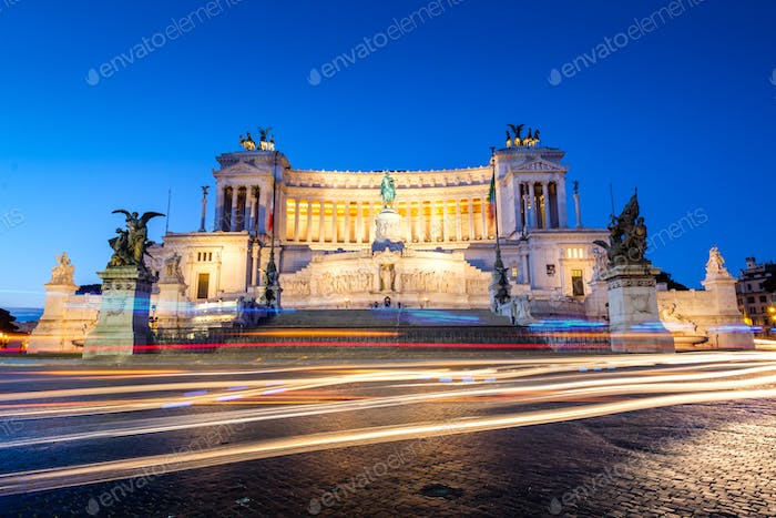 Monumento Nazionale a Vittorio Emanuele II at dawn with light trails