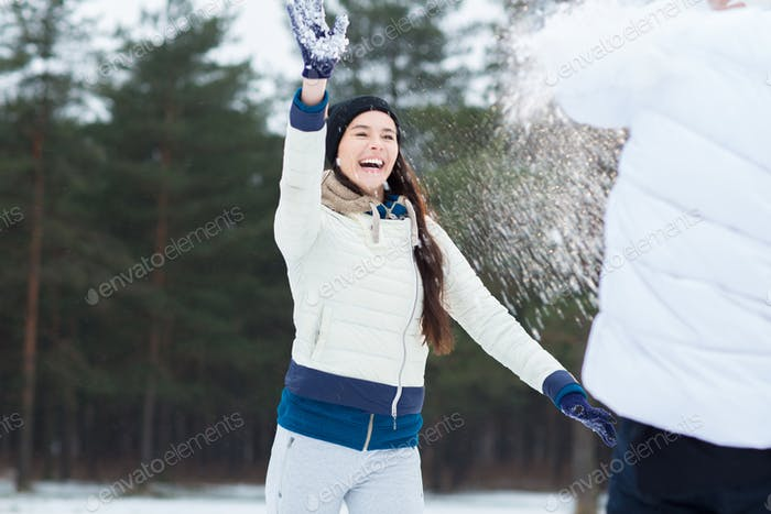 Веселье со снегом