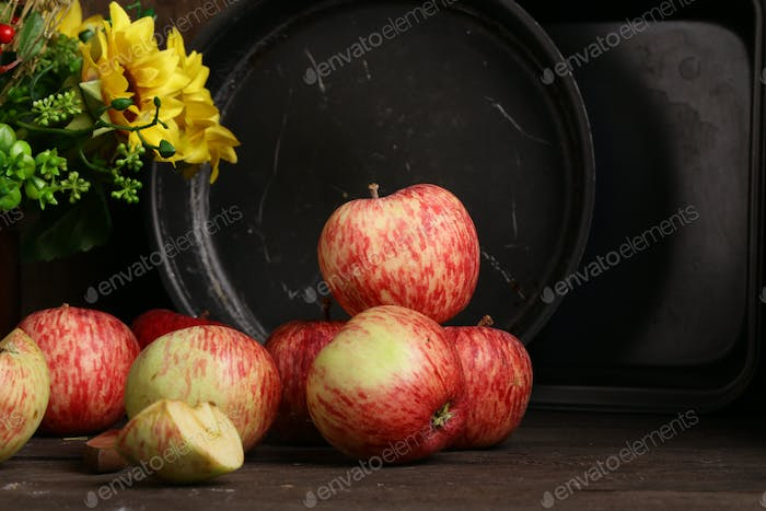 Red Ripe Organic Apples