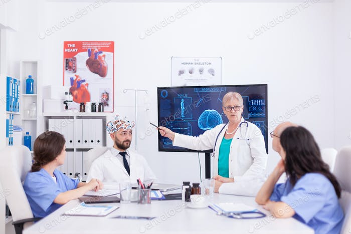 Wissenschaftler tun Gehirnanalyse