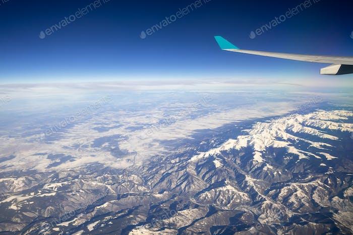 Flug über Asien Alpen