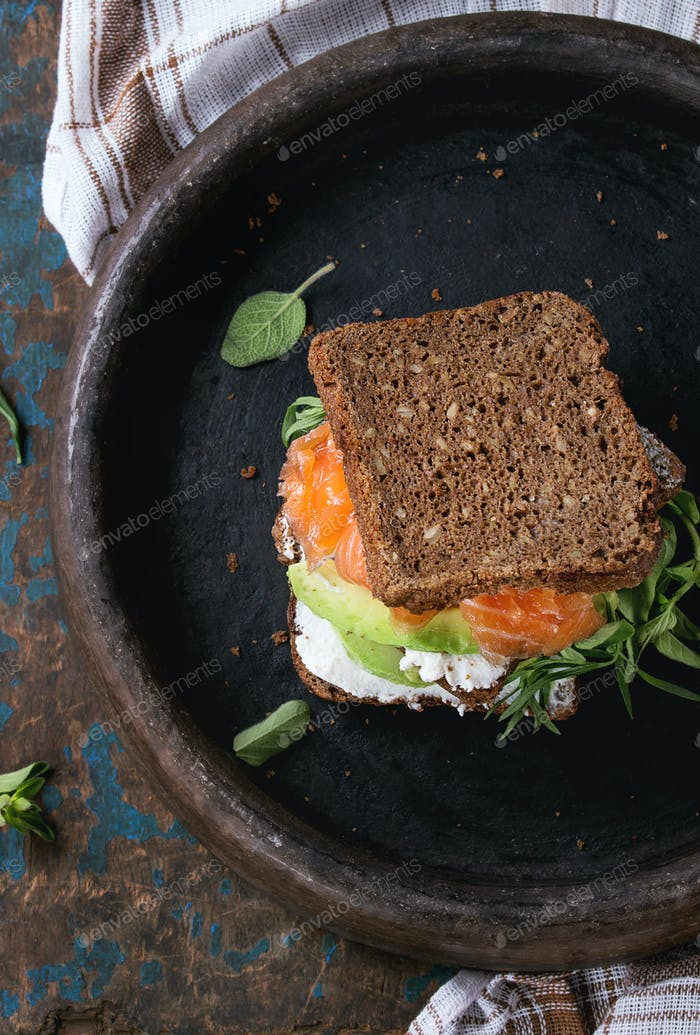 Avocado, salmon and ricotta sandwich