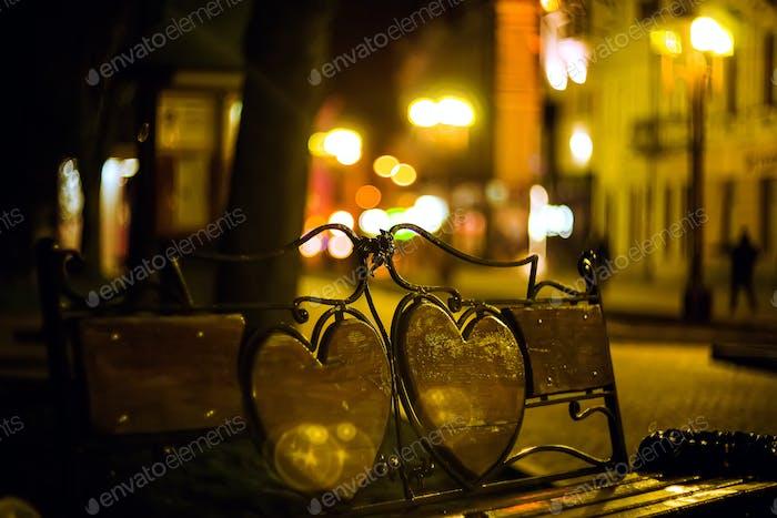 Abendlandschaft mit einsamer Bank