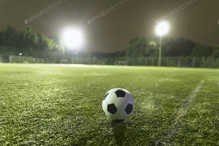 Fußball auf Sportplatz
