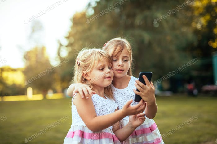 Kids love smartphones