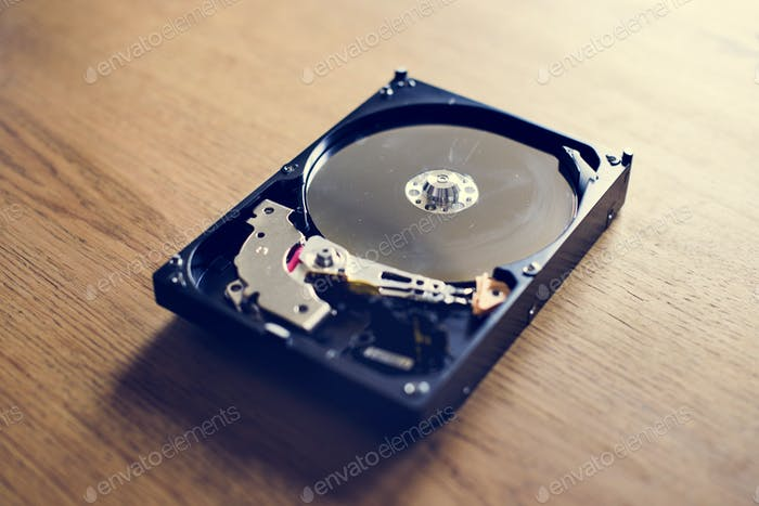 Hard disk drive archive data backup