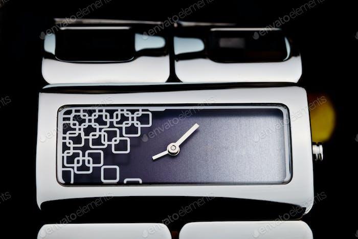 Uhr des Armbandes