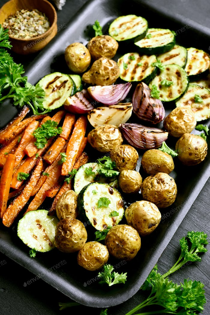 Grilled vegetables on baking tray