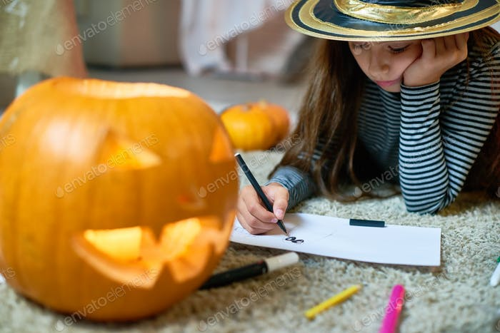 Cute Girl Drawing Halloween Pictures