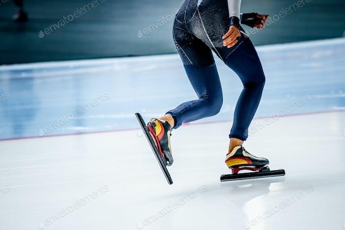 Ноги девушка спортсмен конькобежцы