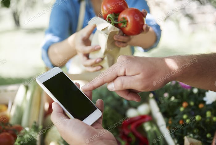 Using wireless technology to pay for food