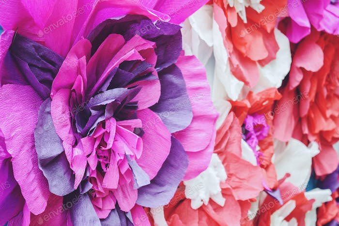 Large Giant bendable Paper Flowers. Big pink roses made from paper. DIY big paper flower made from