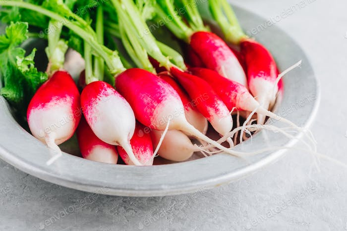 Fresh raw organic radishes in a bowl