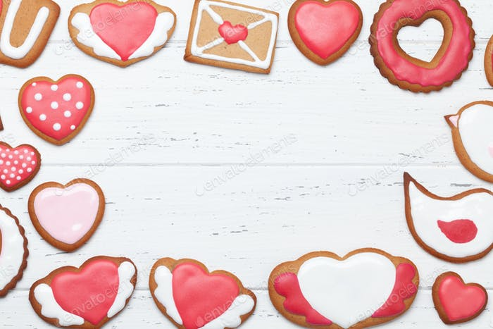 Valentines day greeting card with gingerbread cookies