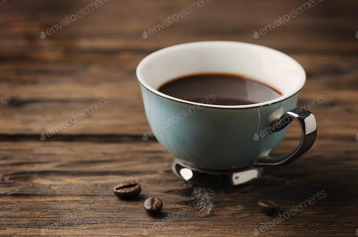 Tasse italienischen Stong Kaffee Espresso auf dem Vintage Tisch