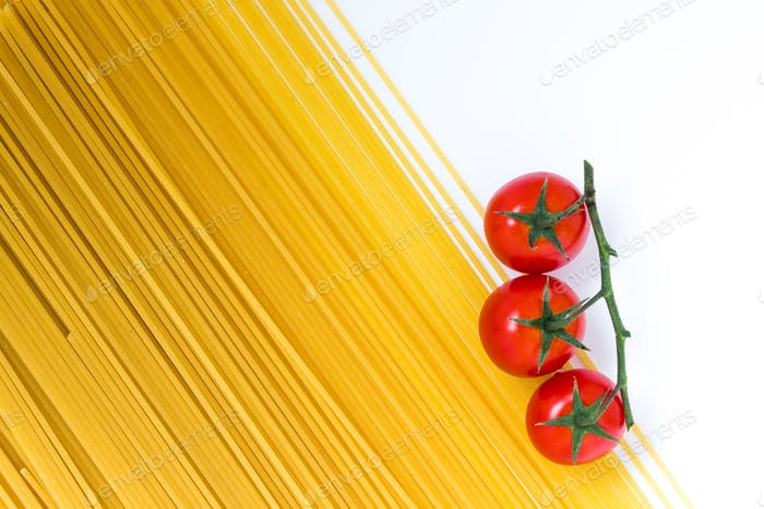 Spaghetti and cherry tomato