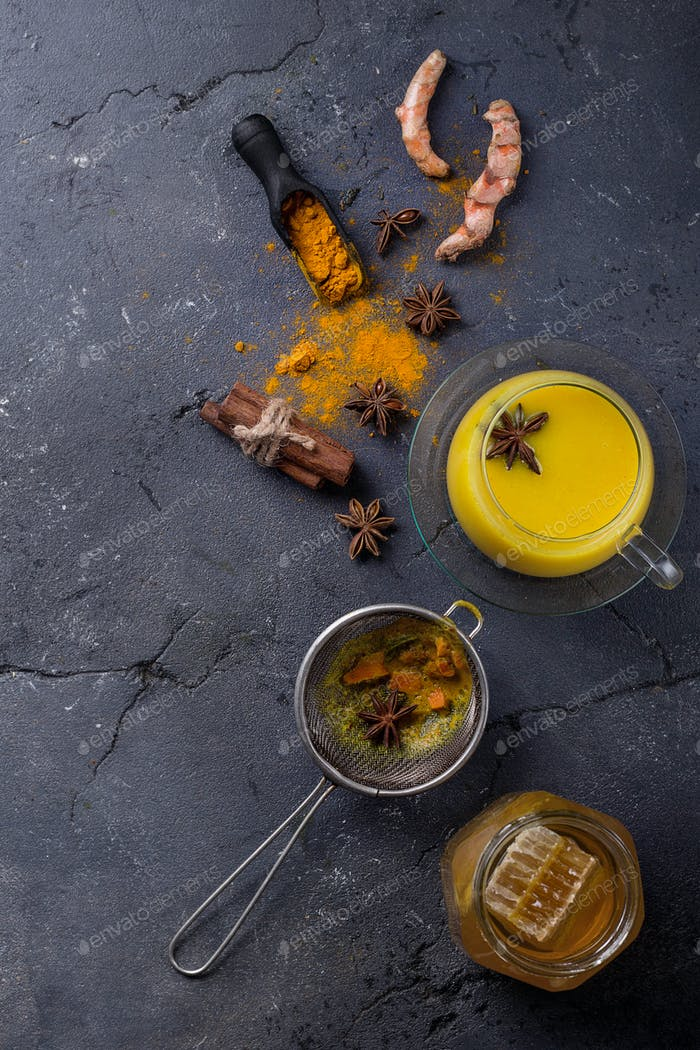 Tumeric milk with spices
