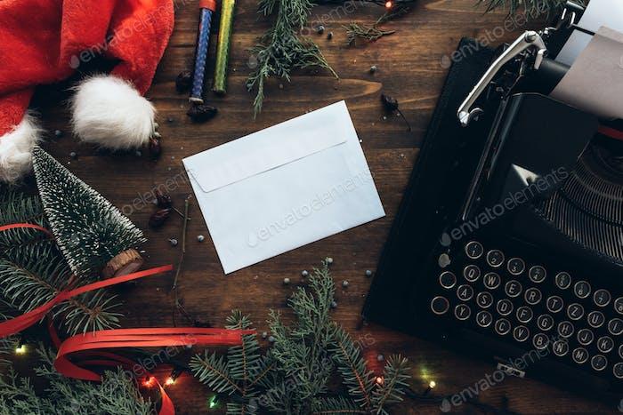 Einen Brief an den Weihnachtsmann zu Weihnachten schreiben