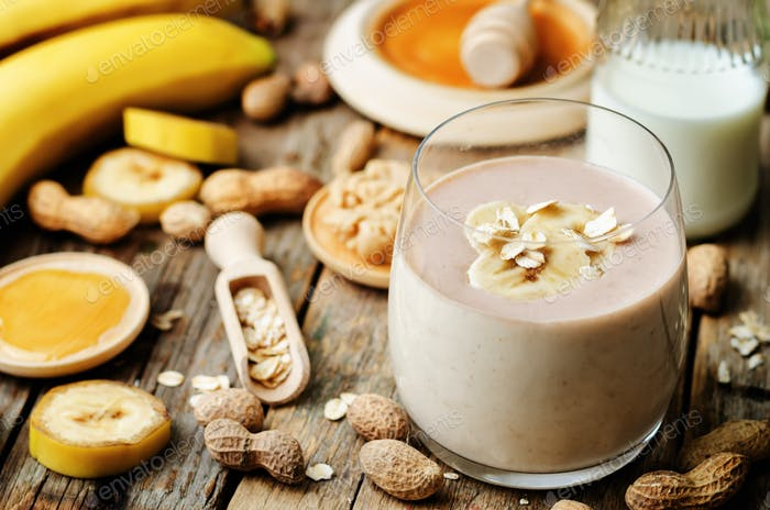 banana oat peanut butter smoothies