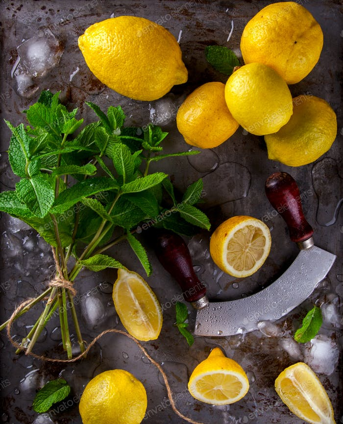 Frische Zitronen.Zitrusfrüchte. Antivirale gesunde Ernährung. Vitamine. Immunitätswiederherstellung.