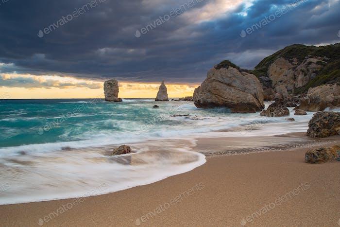 Dramatisch Sonnenaufgang über der Ägäis