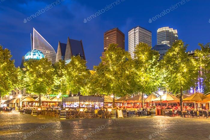 Berühmte Plein Platz Den Haag in der Nacht