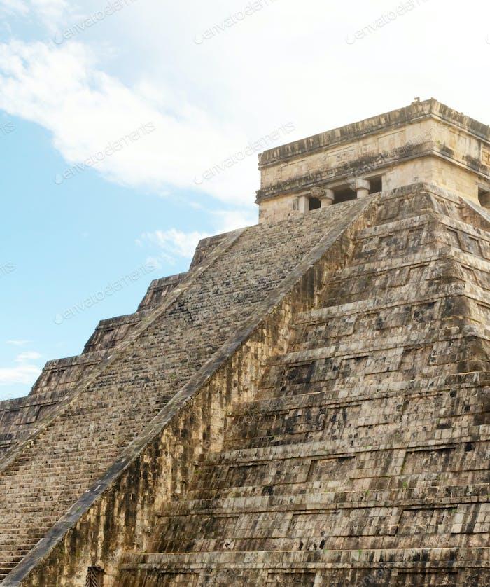 Die Maya-Pyramide in Chichen Itza Mexiko.