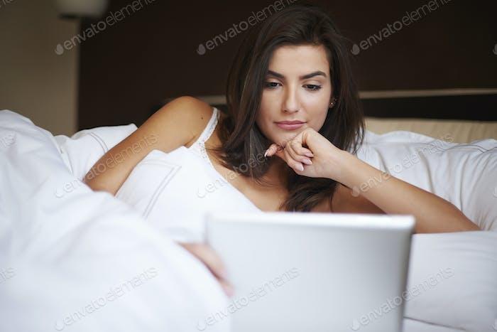 Online bleiben auch im Bett