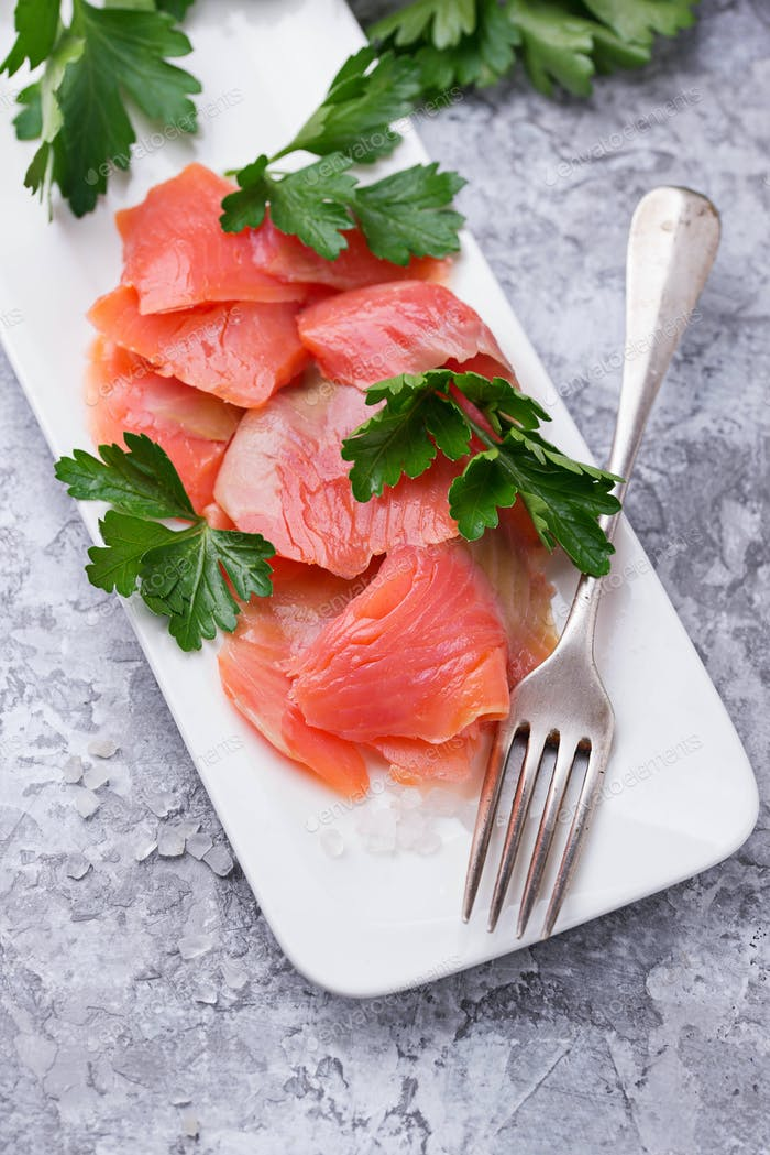 Smoked salmon fillet with parsley