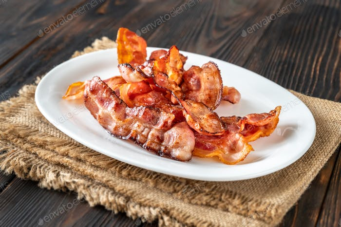 Fried bacon on the serving plate