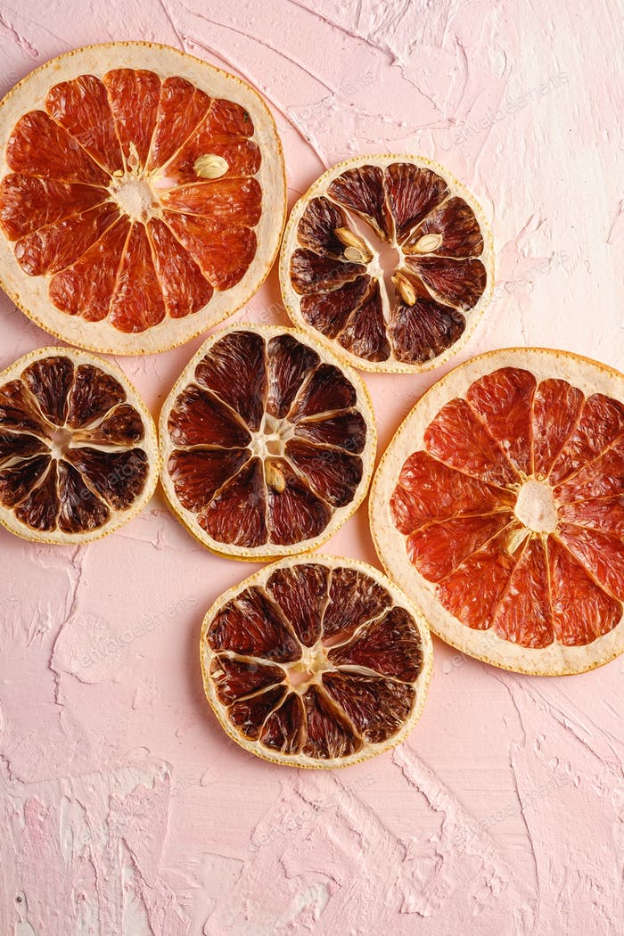 Dried lemon and grapefruit slices