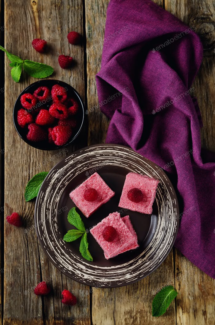 Raspberry coconut butter Fudge