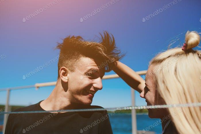 Mann und Frau mit Spaß