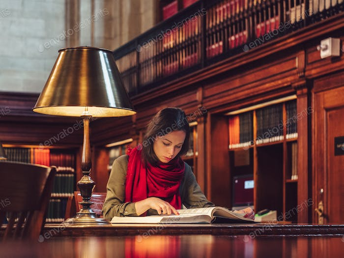 Young girl in the library