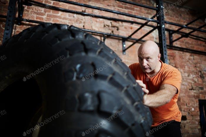 Training mit Reifen