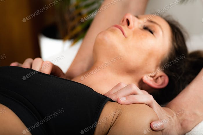Osteopathy Treatment for Shoulder