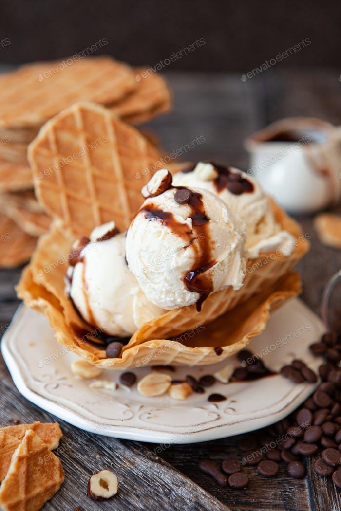 Scoops of vanilla ice cream