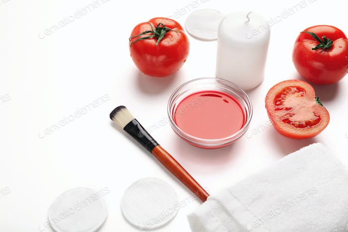 Tomato face mask for natural beauty care
